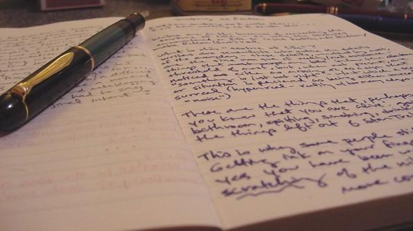Egal ob Papier oder Bildschirm – leidet der Autor unter einer Schreibblockade, bleibt beides leer. (Foto: Frederic Guillory / Flickr Lizenz: CC BY-SA 2.0)