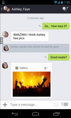 Neben seinen Freunden kann die überwiegend junge Nutzerschaft von Kik nun auch mit Marken in Form von Chatbots chatten. (Foto: Kik)