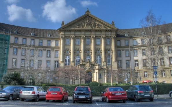 Urheberrecht: Das OLG Köln will dem umstrittenen Pixelio-Urteil ihrer Kollegen nicht folgen. (Foto: Superbass / Wikimedia Commons Lizenz: CC BY-SA 3.0)