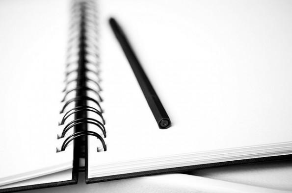 Mit einer Schreibblockade und der Angst vor dem leeren Blatt Papier lässt sich auf unterschiedliche Weise umgehen. (Foto: Sébastien Bonset)