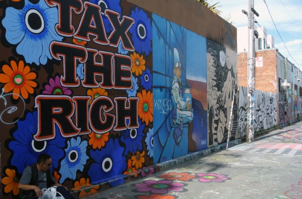 TAX THE RICH-Mural in der Sycamore Street im Mission-District. (Foto: Andreas Weck)