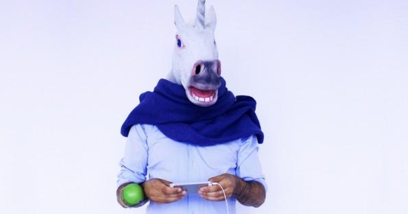 Homosexualität spielt beim Netzwerk Unicorns in Tech keine Rolle: Stuart B. Cameron (hinter der Pferdemaske) ist sein Gründer.