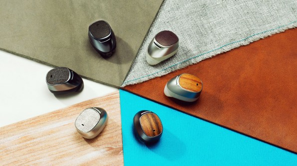 Moto Hint: Das kleine Headset kommt in verschiedenen Designs auf den Markt. (Foto: Motorola)