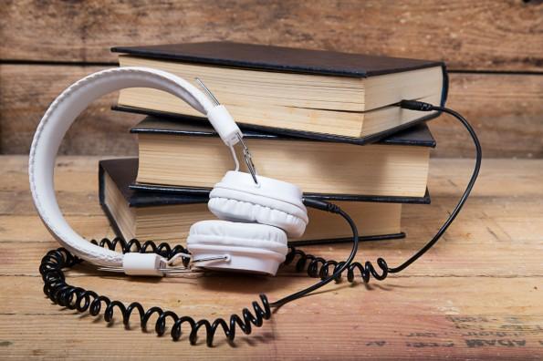 Wissen zum Mithören: Podcasts für Gründer. (Foto: © robcartorres - Fotolia.com)