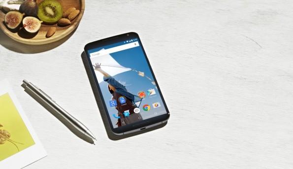 Auf der Vorderseite ist das Nexus 6 erstaunlich unspektakulär. (Quelle: Google)