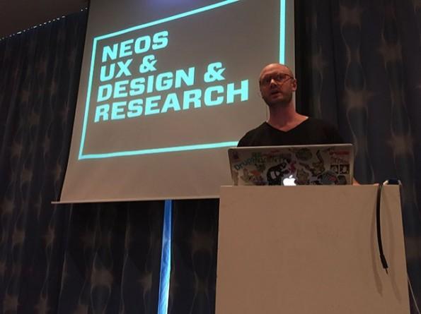 Rasmus Skjoldan bei seinem Vortrag auf der T3CON. (Foto: anders und sehr)