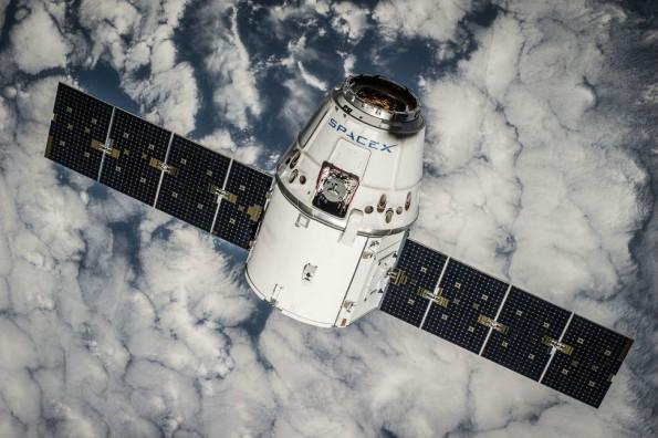Elon Musk will Satelliten für weltumspannendes WLAN-Netz mit SpaceX-Raketen in die Umlaufbahn bringen. (Foto: SpaceX)