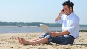 Wir können nicht abschalten: 72 Prozent bleiben im Urlaub für den Chef erreichbar