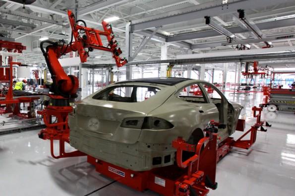 Industrie 4.0 in den USA: Bei dem Autohersteller Tesla setzt man schon komplett auf vernetzte Produktion. (Bild: Wikimedia / CC BY 2.0)