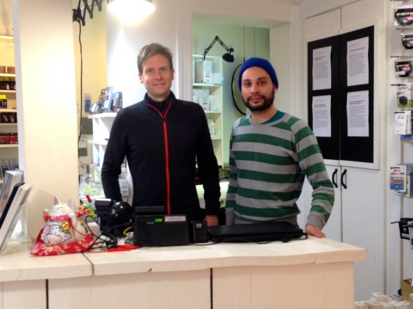 Ingo Quendler und Ricardo Ferrer Rivero bei Enjoyyourcamera in Hannover. Die beiden sind Teil der Bitcoin-Meile Hannover. (Foto: t3n)