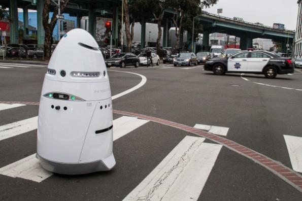 K5 Security Robot soll Streife laufen. (Bild: Knightscope, Inc.)