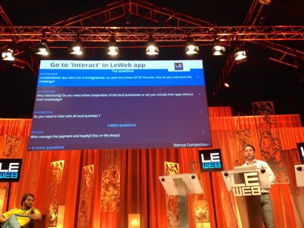 Nicht nur die Jury, sondern auch das Publikum stellt Fragen an Leif Pritzel von local.app. (Foto: t3n)