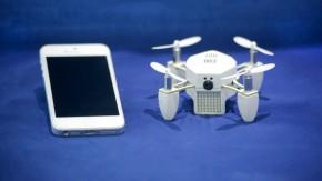Zano: Smartphone-gesteuerte Mini-Drohne nimmt Selfies und HD-Videos aus der Luft auf