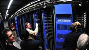 Einstieg ins Roboter-Geschäft? Facebook sucht Experten für Automatisierung und Datenzentren