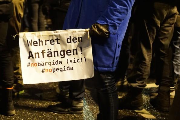 Breite Front gegen PEGDIA?Unternehmen geben sich erstaunlich rar. (Bild: Flickr-Gilly Berlin / CC-BY 2.0)