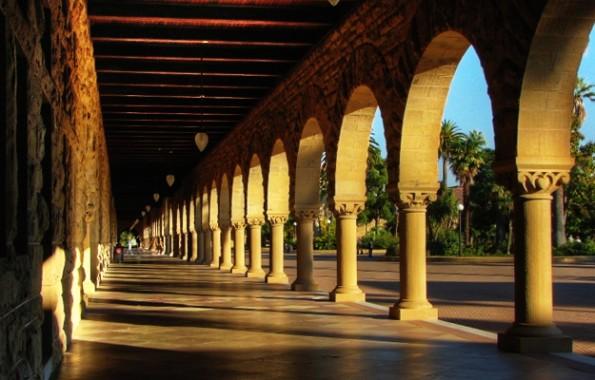 Nicht nach Stanford geschafft? 20 Kostenlose Online-Business-Seminare renommierter Universitäten helfen beim Lernen. (Bild: Flickr-Josiah Mackenzie / CC-BY 2.0)