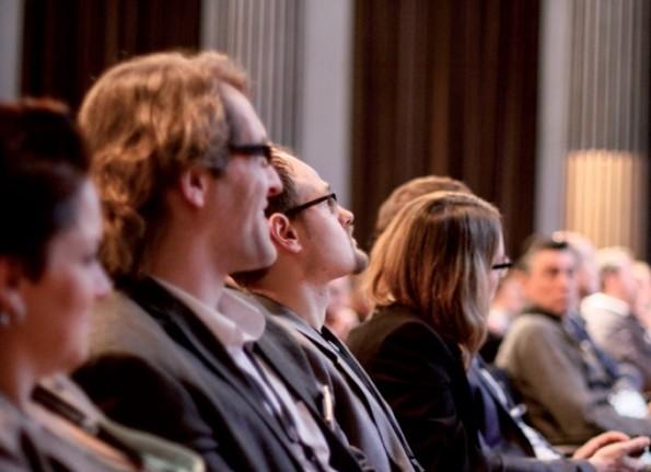 Die Teilnehmer des plentymarkets Online-Händler-Kongresses können sich auf mehr als 40 Vorträge und 60 Aussteller freuen. Das Spektrum reicht dabei vom Basiswissen für E-Commerce-Einsteiger bis zu den neuesten Trends der Branche. (Foto: plentymarkets )