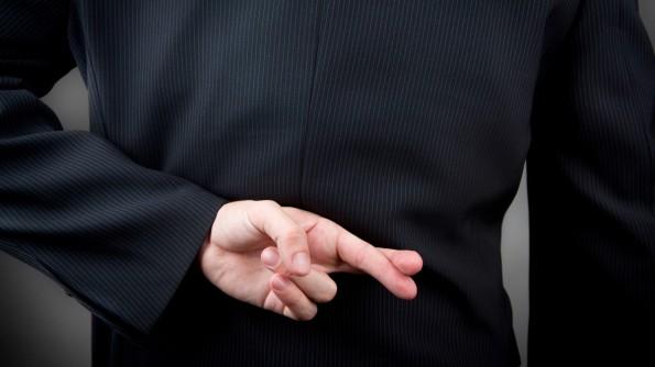 """Glaub mir: """"Auch du kannst in kürzester Zeit ganz viel Geld verdienen!"""" (Quelle: Shutterstock)"""