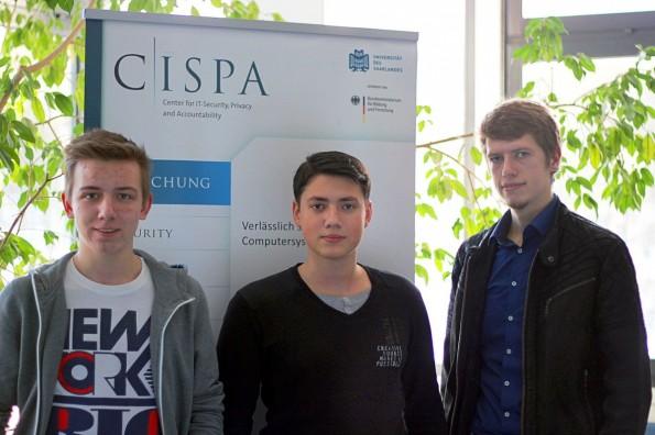 MongoDB: Die drei Studenten Kai Greshake, Eric Petryka und Jens Heyens fanden fast 40.000 ungeschützte Datenbanken im Netz. (Foto: Universität des Saarlandes)