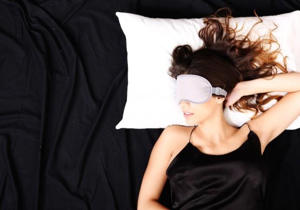 Wer ausgeschlafen ist, ist produktiver im Beruf. Flexible Arbeitszeiten unterstützen das individuelle Schlafbedürfnis. (Bild: Spectral-Design / Shutterstock.com)
