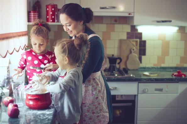 Zu Hause kochen? Passiert immer seltener. (Foto: Shutterstock / Alena Ozerova)