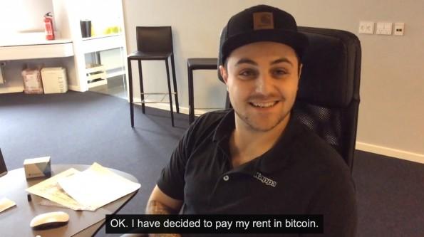 Jack Nikogosian will einen Monat lang nur mit der Kryptowährung Bitcoin bezahlen. (Screenshot: YouTube)