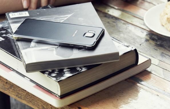 Mit dem Galaxy Alpha hat Samsung erstmals auf einen schicken Metallrahmen gesetzt. (Foto: Samsung)