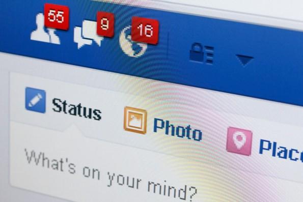 Versteckte Facebook-Funktionen. nevodka / Shutterstock.com