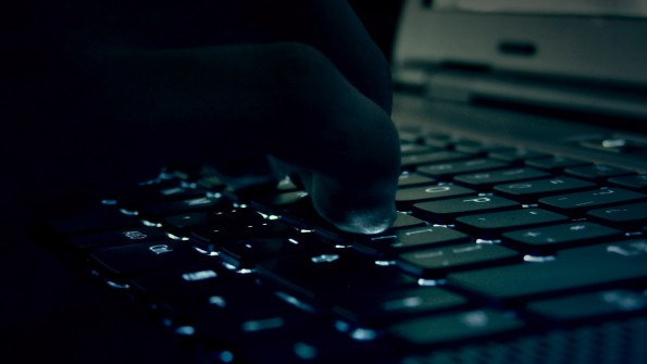 Erpressungs-Trojaner kommt über infizierte Werbeanzeigen auf den Computer. (Foto: Ivan David Gomez Arce / Flickr Lizenz: CC BY 2.0)
