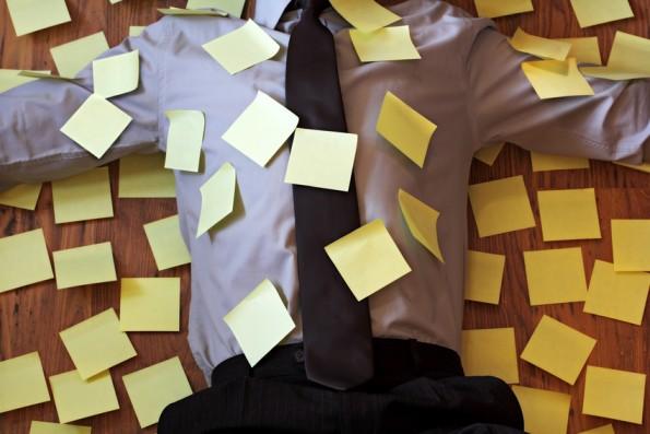 Wer sich zu viele Aufgaben gleichzeitig aufhalst, wird sie irgendwann nicht mehr bewältigen können. (Foto: Brian Jackson / Fotolia)