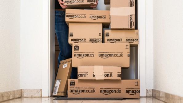 Mit der Abschaffung des Mindestbestellwerts gehören Sammelbestellungen bei Amazon jetzt der Vergangenheit an. (Foto: Shutterstock)