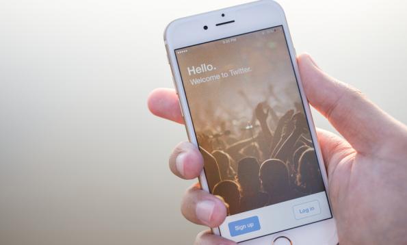 Twitter begrüßt neue Nutzer. (Bild: 2nix Studio / Shutterstock.com)