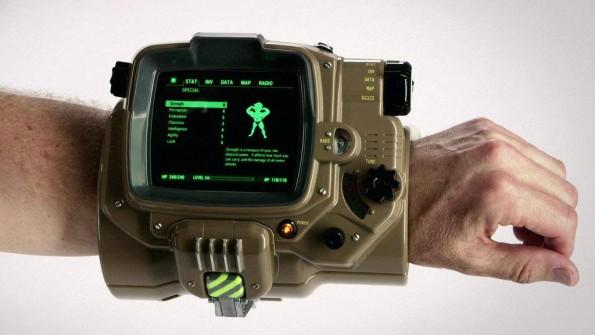 Fallout 4: Den riesigen Smartwatch-Adapter gibt es in einer Sonderedition des Games. (Foto: Bethesda)