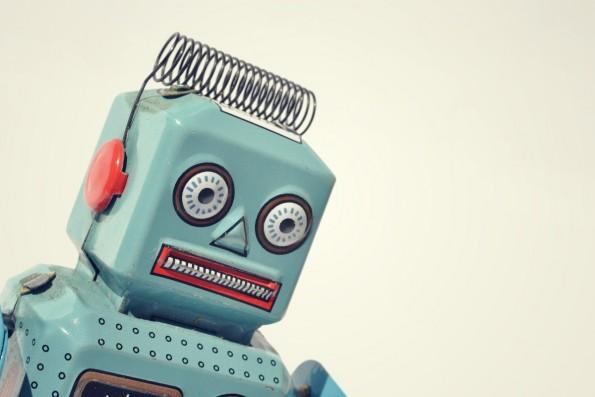 Die Unvollständigkeit von Algorithmen: Können Datenauswertungen valide Aussagen über ein generelles Nutzerverhalten führen? (Bild: Shutterstock / josefkubes)