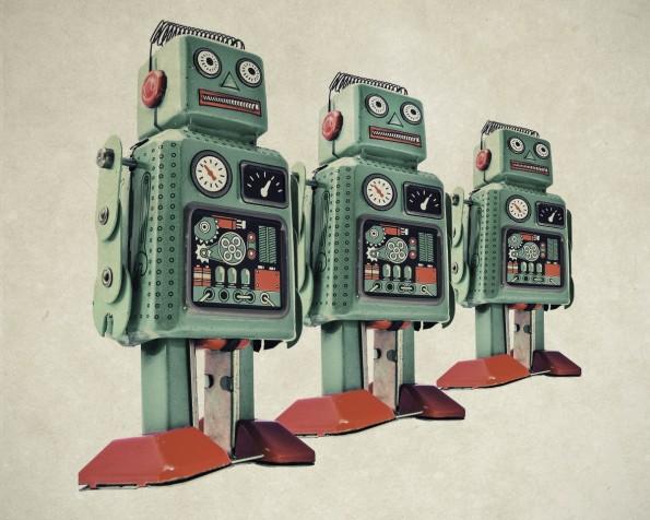 Mein Berater, der altkluge Algorithmus: Warum man Menschen nicht wie Roboter behandeln darf. (Bild: Shutterstock / Charles Taylor)
