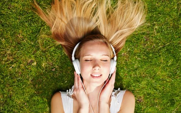 Apple Music und andere Spotify-Alternativen: 16 Musik-Streaming-Dienste im Vergleich. (Foto: Shutterstock-Robert Kneschke)