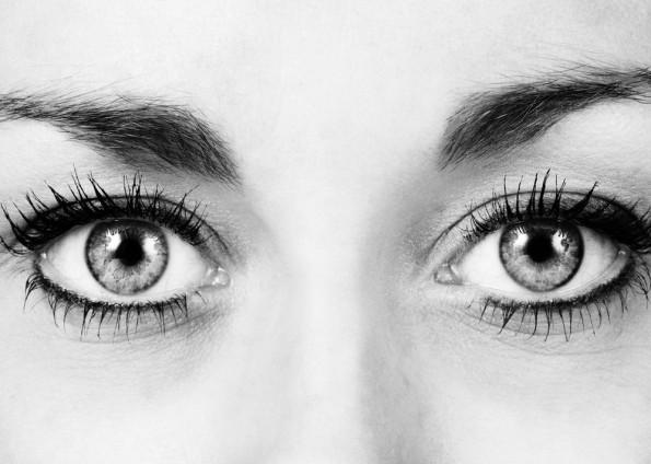 Augenkontakt ist notwendig, um Menschen zu überzeugen. (Foto: Jason Salmon – Shutterstock.com)