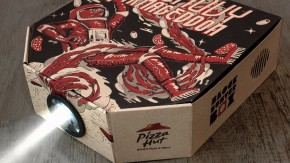 Pizza zum Filmabend: Geniale Marketing-Aktion macht Pizzaschachtel zum Beamer