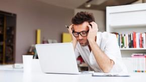 Schlafmangel: Wie müde Mitarbeiter eurer Firma schaden [Infografik]