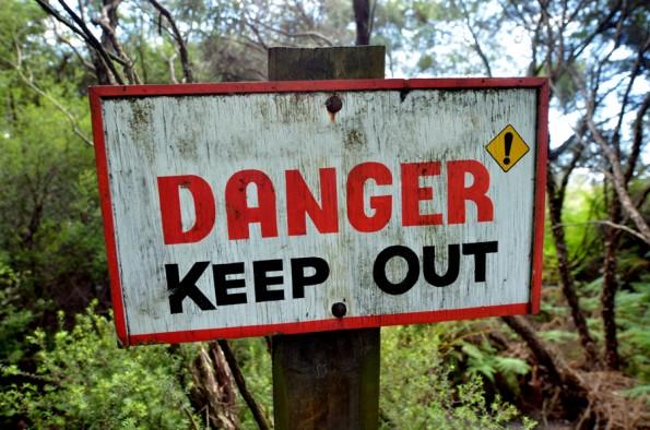 Selbstzweifel können uns vor Gefahren schützen. Durch sie fangen wir an, vorangegangene Reaktionen auf bestimmte Situationen zu reflektieren (Foto: Shutterstock)