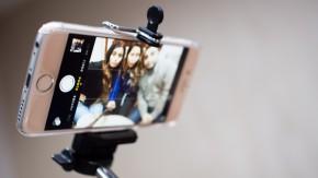 Das Ende einer Nerv-Ära: Dem Selfie-Stick droht das Aus