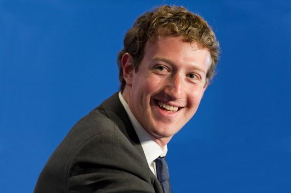 Mark Zuckerberg hat gut lachen: Twitter ist keine Konkurrenz mehr für Facebook. (Foto: Frederic Legrand - COMEO / Shutterstock.com)