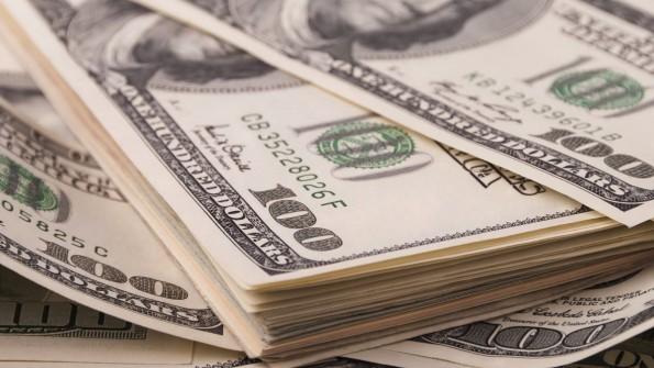Wie viele Anteile an Investoren für einen Geldbetrag abgegeben werden müssen, hängt von verschiedenen Faktoren der Unternehmensbewertung ab. (Foto: Shutterstock)