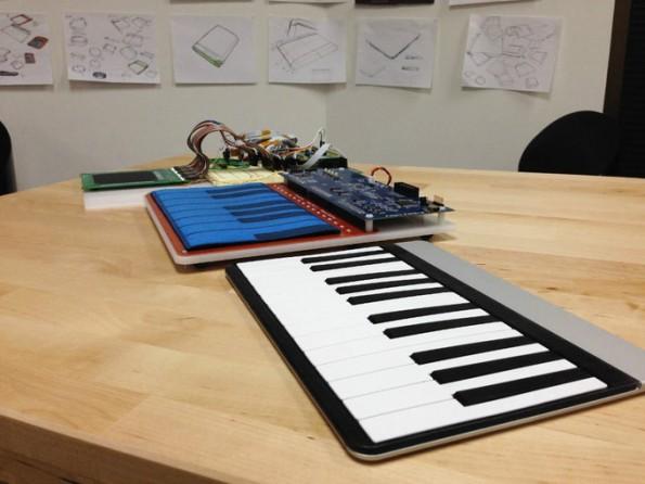 Das Sensel-Morph-Trackpad lässt sich einfach in ein Mini-Piano verwandeln. (Bild: Sensel/Kickstarter)