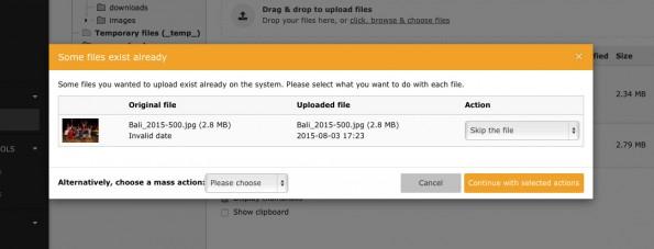Wenn ihr versucht in TYPO3 CMS 7.4 eine vom Namen bereits vorhandene Datei hochzuladen, erscheint dieser Dialog. (Screenshot: TYPO3.org)