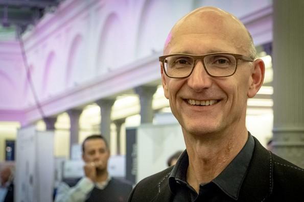 """Telekom-Vorstandschef Timotheus Höttges: """"Netzneutralität – Konsensfindung im Minenfeld"""". (Foto: Wikimedia-Sebaso / CC-BY 2.0)"""