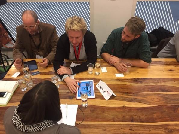 Beim Speeddating sollen sich Verlage und Startups kennenlernen. (Foto: t3n)