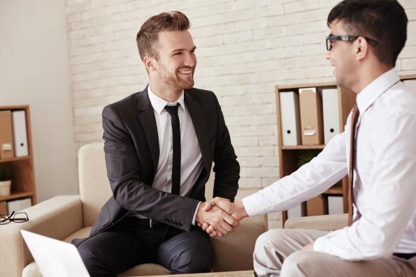 Namen von Geschäftspartnern lassen sich leichter merken, wenn man nach ihrer Bedeutung fragt. (Foto: Shutterstock)