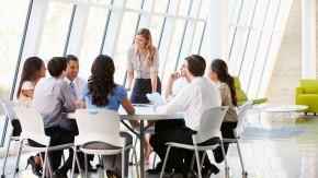 Studie: Frauen im Chefsessel machen Managerwelt härter