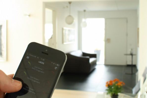 Per Smartphone das komplette Haus steuern – der neue Bluetooth-Standard macht's möglich.(Foto: DanaLock)